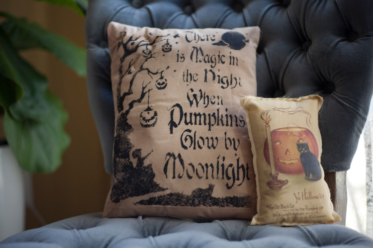 halloween throw pillows.jpg