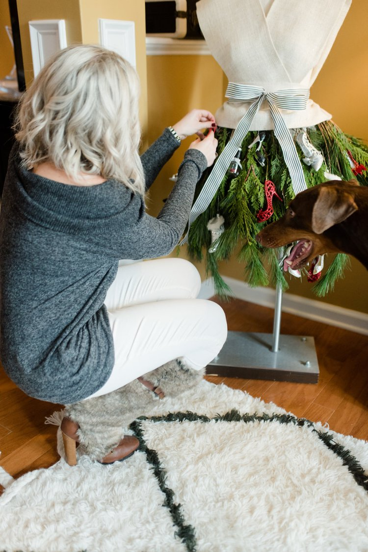 trimming the tree with shoes, holiday home decor for the fashionista